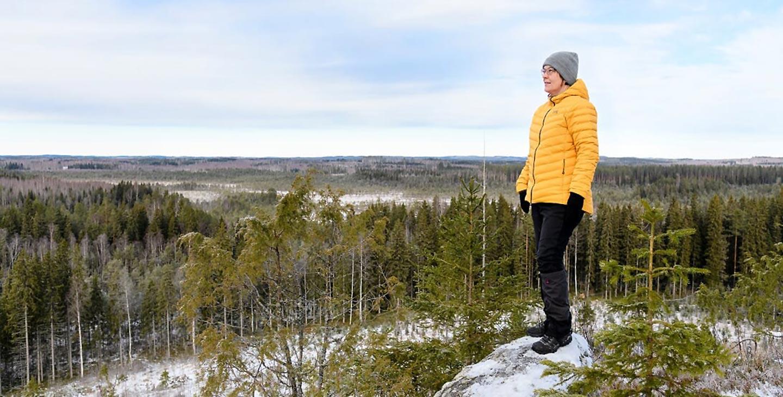 Tuula Kurikka kuvattu Savonlinnassa 28.2.2020 Metsähallituksen Metsä -lehteen.