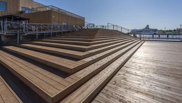 Helsingin Katajanokalla sijaitseva Allas Sea Pool on hyvä esimerkki taidokkaasta puurakentamisesta. KUVA SIPARILA OY