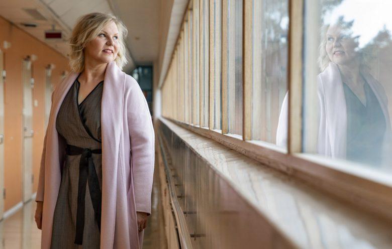 Suomen Arkkitehtiliitto SAFA ry:n puheenjohtaja Henna Helander Paimion sairaalassa kuvattuna.